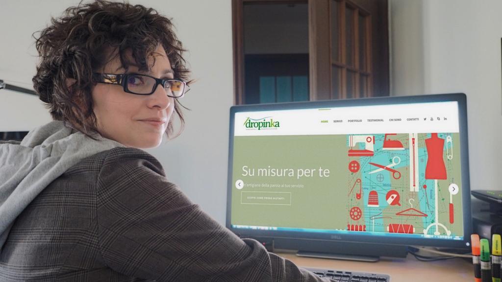 The Writing Desk | Claudia Benetello | Dropinka