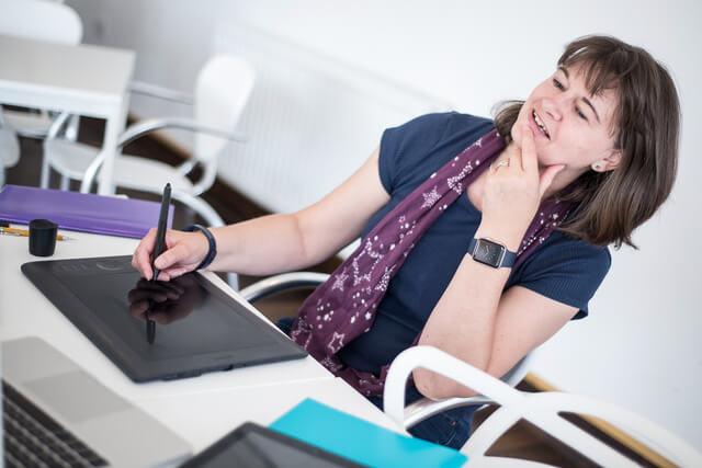 Belinda White, website consultant at her desk