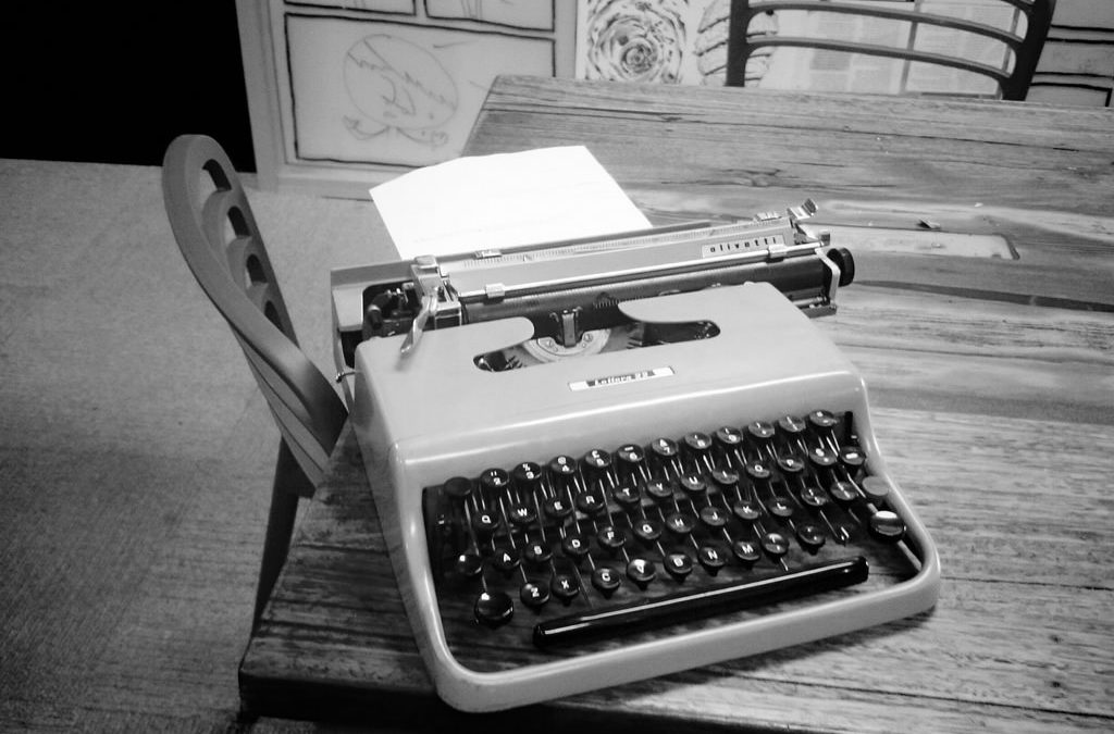 The Writing Desk | Jo Watson | Ghostwriter • Copywriter • Grammar Geek