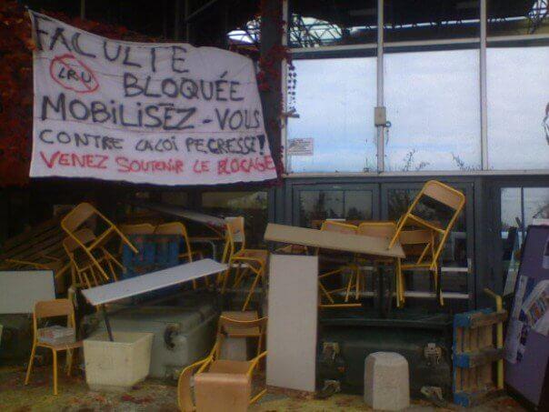 Uni blockage protest