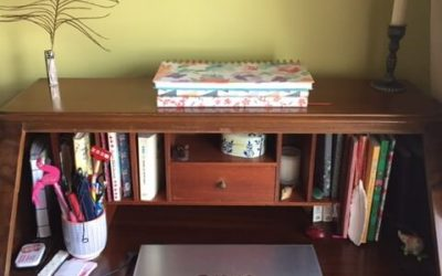 THE WRITING DESK | CLAIRE MCCABE | COPY CONTENT WRITER