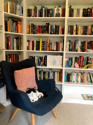 THE WRITING DESK | LORRIE HARTSHORN | B2B COPYWRITER