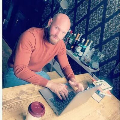 the writing desk | Cain Smith | Writer